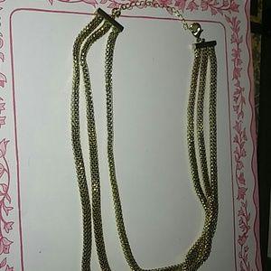 Jewelry - Vintage avon chocker